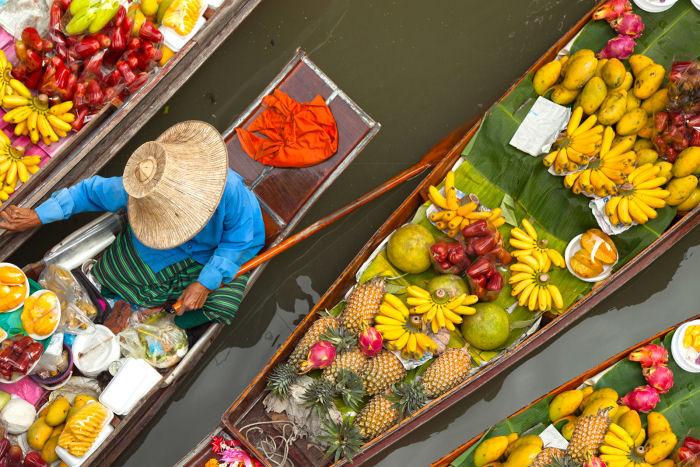 Schwimmender Markt in Zentralthailand