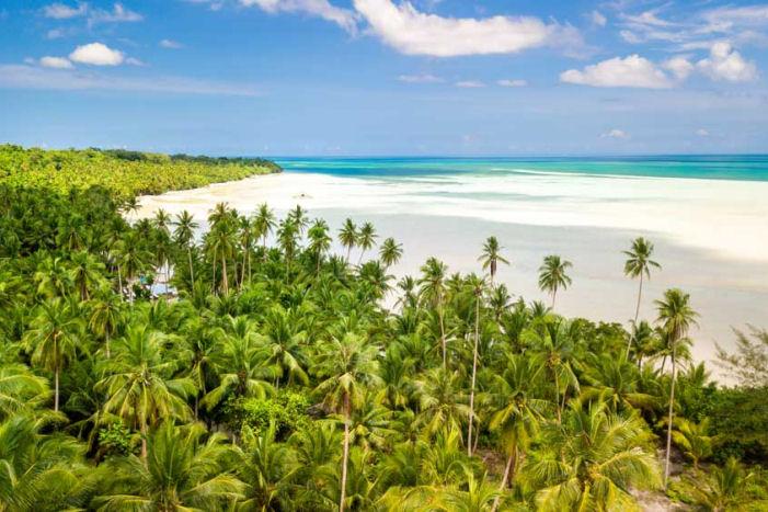 Strand auf den Molukken